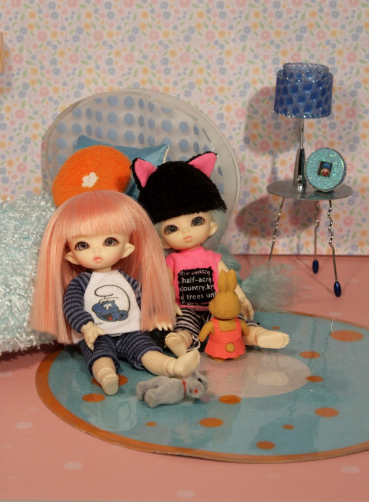 Kiki and Marisela with the American Girl furniture