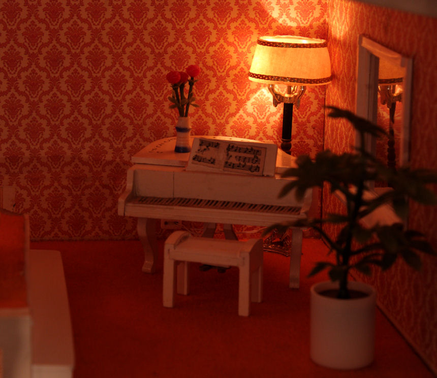 The music room with the new vintage Lundby lamp