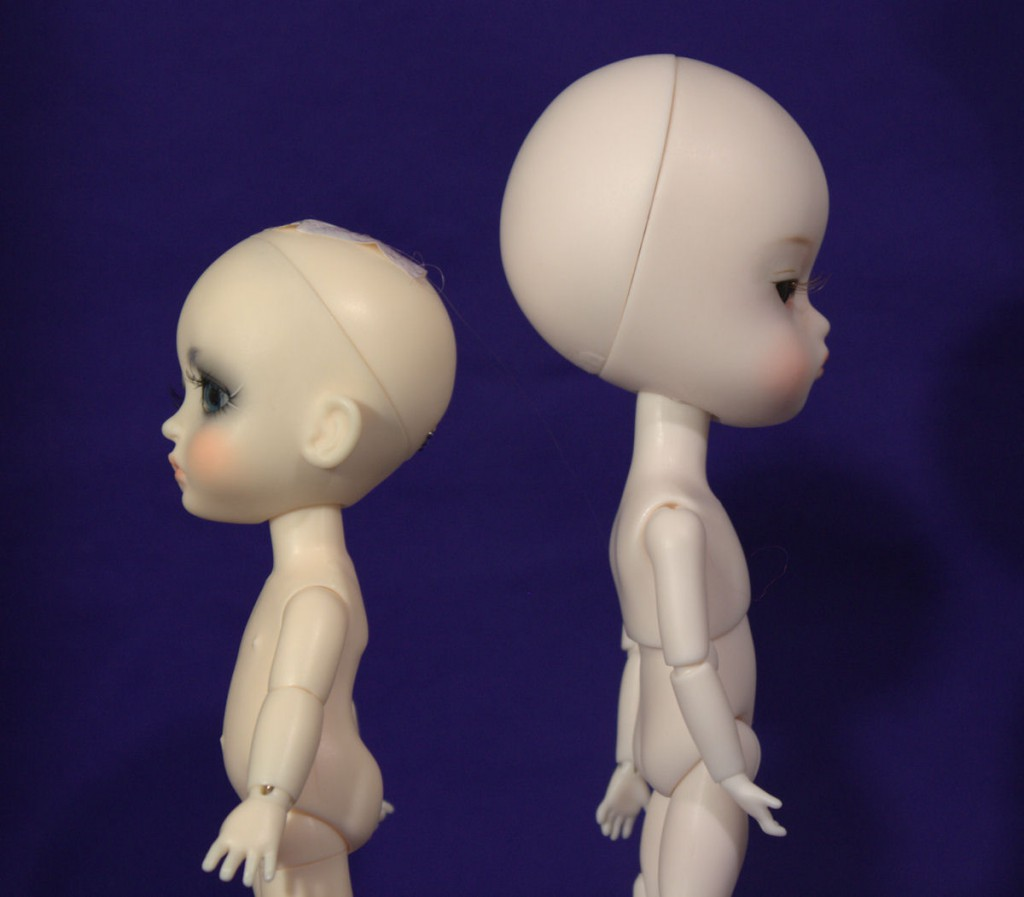 Different head sizes.  Lati Yellow on left and Person 21 on right